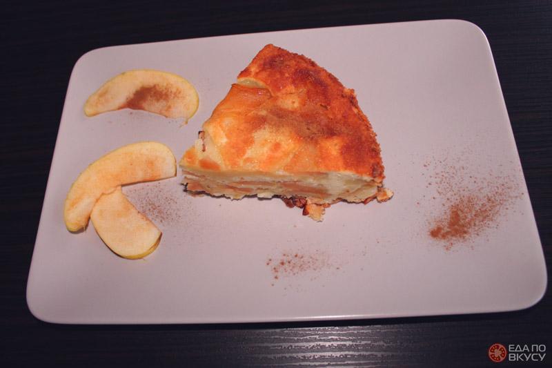 Шарлотка из яблок классическая - результат