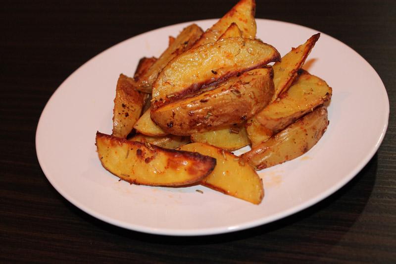 Запеченная картошка с розмарином и паприкой - результат
